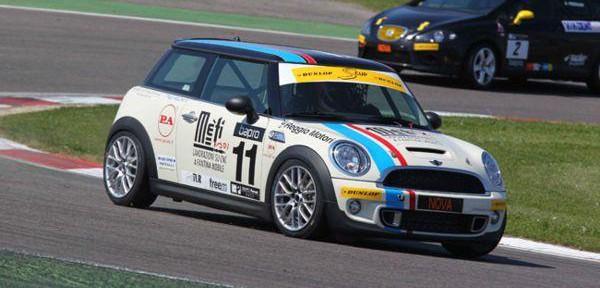 Campionato-Italiano-Turismo-di-Serie-2011.jpg